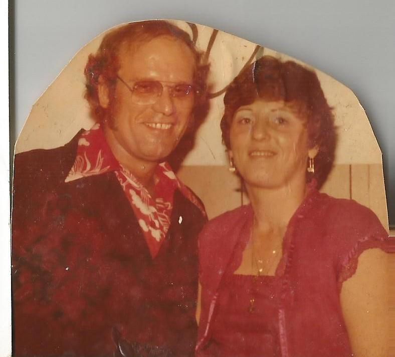 mom and dad 70s.jpg